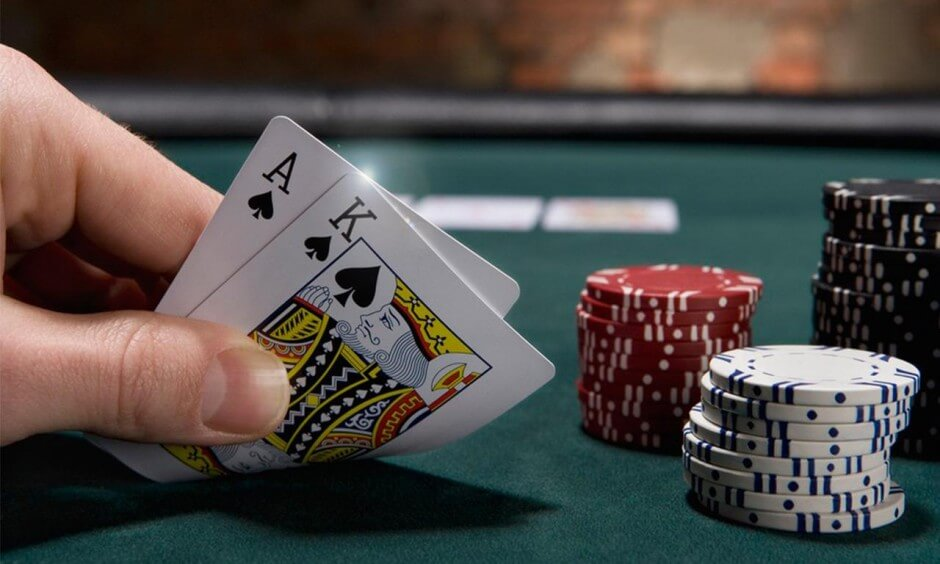 texas-holdem-review-3-940x564