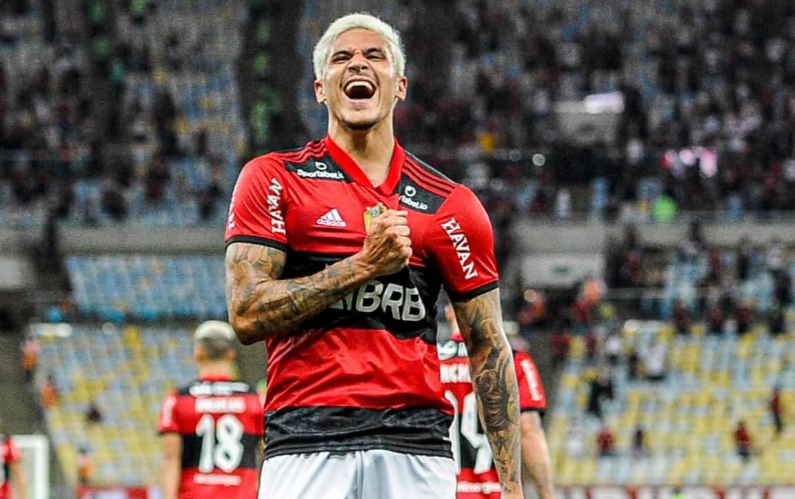 Pedro comemora gol pelo Flamengo