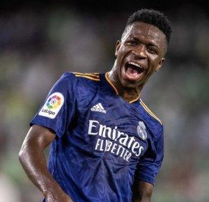 Vinicius Júnior comemora gol pelo Real Madrid