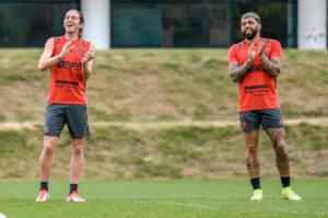 Filipe Luís e Gabigol no treino do Flamengo deste sábado