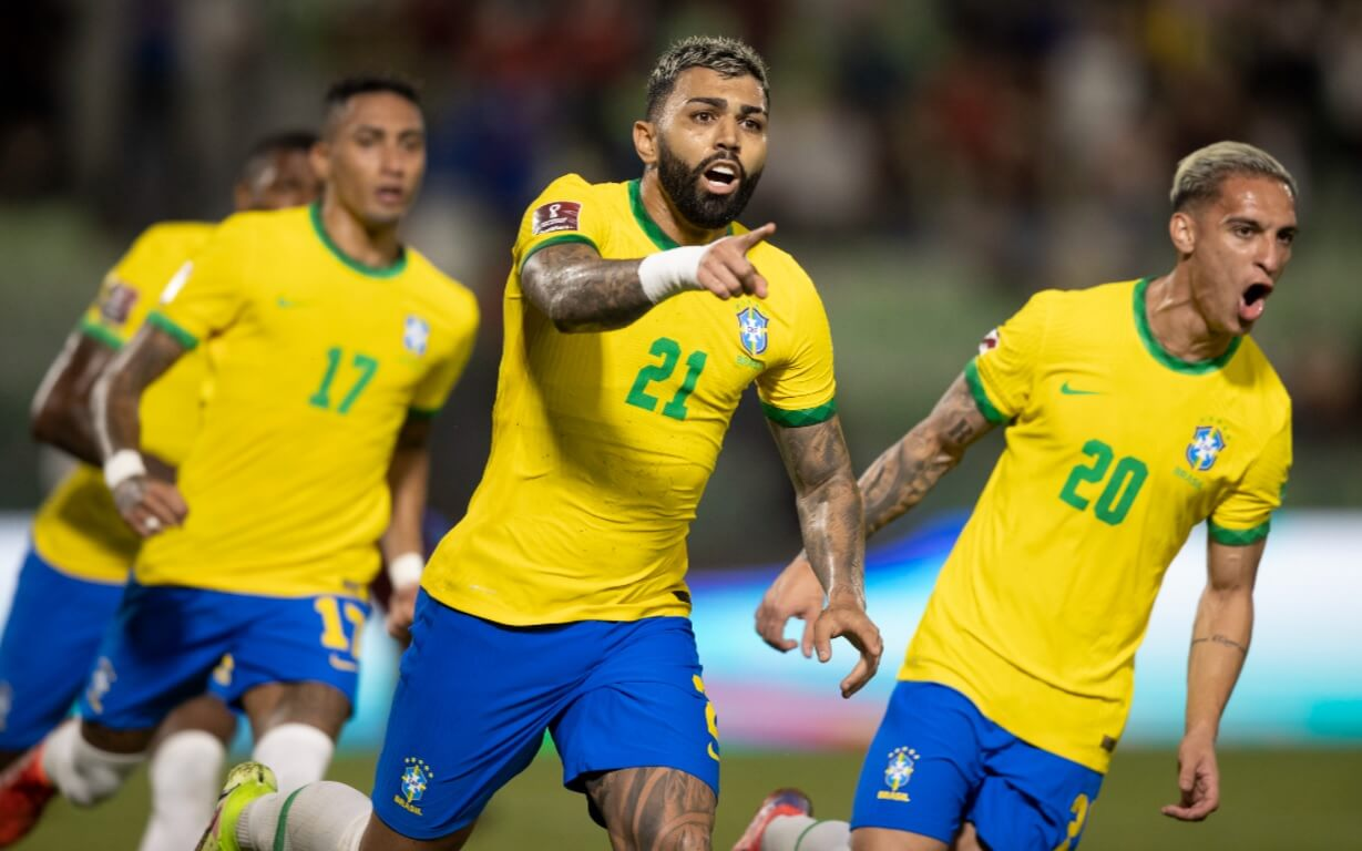Gabigol comemora o segundo gol do Brasil